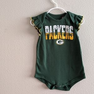 NWT NFL Green Bay Packers Onesie Size 24 Months